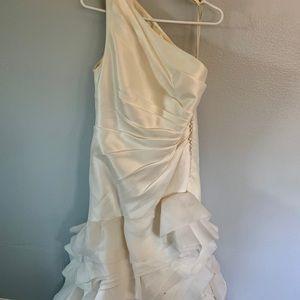 Vera cream wedding dress